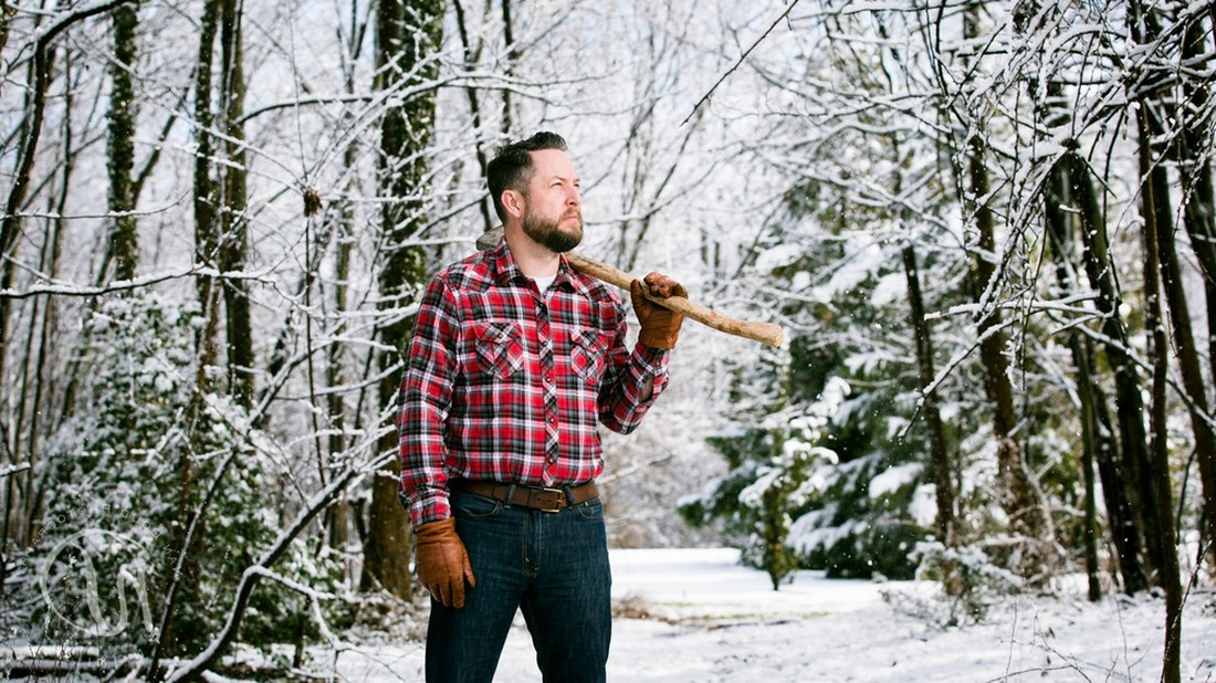 4  ιντερνετικά μαθήματα για να ζήσεις ως cool πρωτόγονος μέσα στα χιόνια