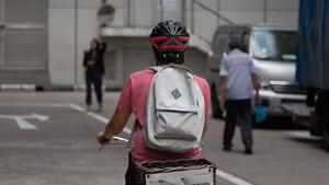 Ποδηλάτη, ήρθε η ώρα να βάλεις φλας στο κράνος σου