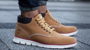 Μήπως ήρθε η ώρα για καινούργια παπούτσια;
