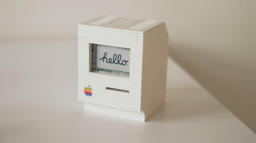 Macintosh ρέπλικα φταγμένη με LEGO