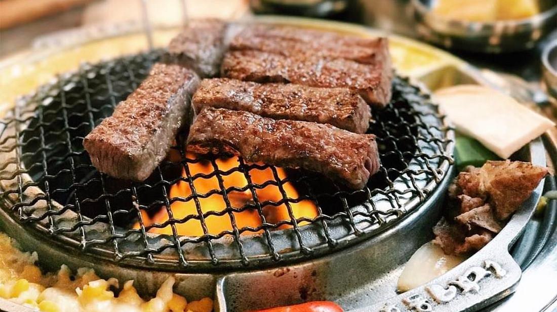 Το κορεατικό BBQ ανοίγει την όρεξη μέχρι και στον Κιμ