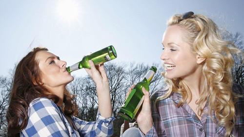 Θα ευχαριστούμε αιώνια την Ευρώπη γι' αυτές τις «ξανθιές» μπύρες
