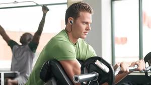 Με αυτά τα ασύρματα ακουστικά ξανάρχισα γυμναστήριο!