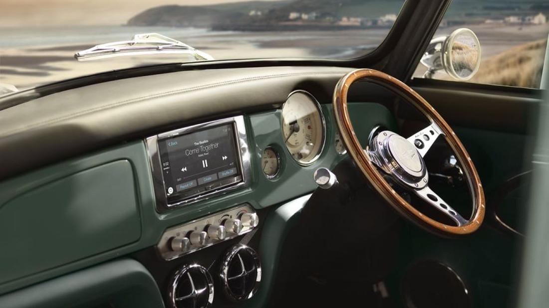 Κλασικό Mini Cooper με σύστημα πλοήγησης;