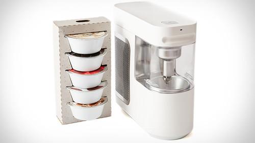 Μία συσκευή για όσους δεν έχουν ξεκολλήσει με το φρόζεν γιόγκουρτ