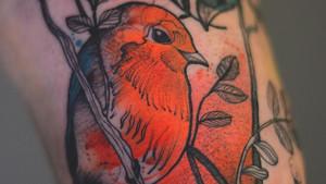 Αυτή η tattoo artist ειδικεύεται στα ψυχεδελικά χρώματα