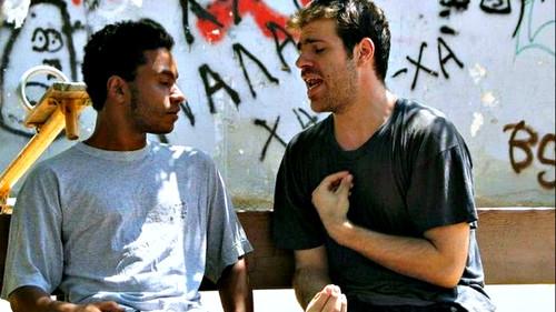 «Ξέμεινα στην Αθήνα και τα περνάω μια χαρά φιλαράκι!»