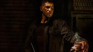 Σκοτάδι, καφρίλα κι εκδίκηση στο τρέιλερ του Punisher