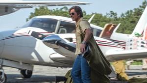 Ο ιπτάμενος Τομ Κρουζ ξεμπροστιάζει τον Λευκό Οίκο στο American Made