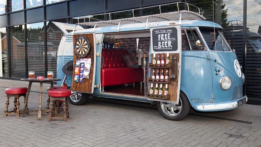 Το μπαρ των ονείρων σου βρίσκεται σε ένα βανάκι στην Αγγλία