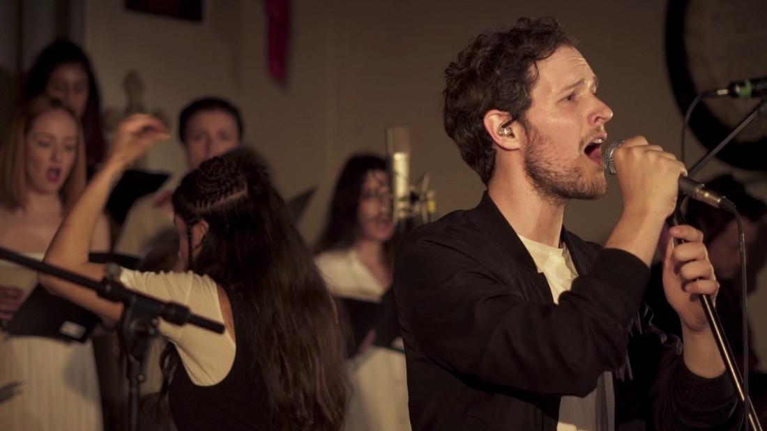 Leon of Athens, θες να μας φτιάξεις μια Playlist πριν τη συναυλία σου στο «Νιάρχος»;