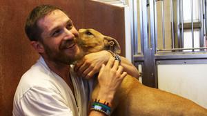 Ο Τομ Χάρντι είναι ο καλύτερος φίλος ενός σκύλου
