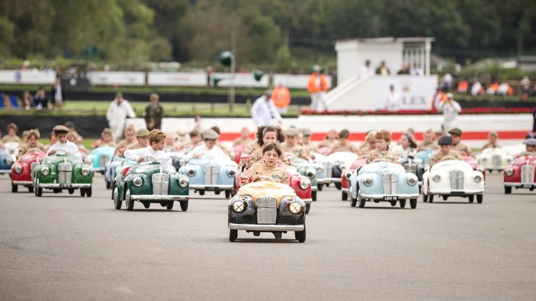 Αγώνες ταχύτητας κι αμάξια κλασικά, έτσι μάθαμε από παιδιά!