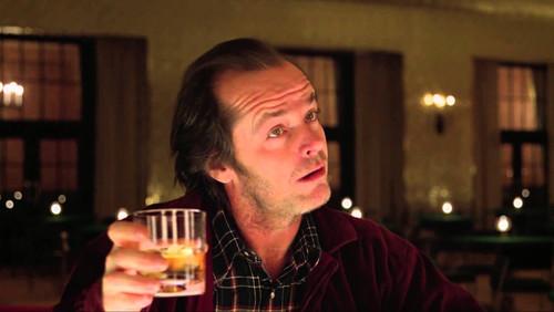 Καλύτερα να πίνεις ΛΙΓΟ πολλές φορές, παρά ΠΟΛΥ μία φορά