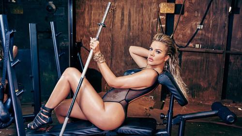 Η Κλόε Καρντάσιαν στην πιο σέξι φωτογράφηση της καριέρας της