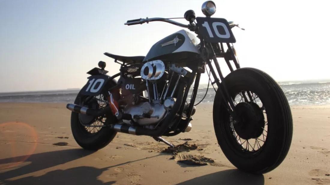 Χεράκια πάνω για όσους εγκρίνουν την μετατροπή αυτής της Harley