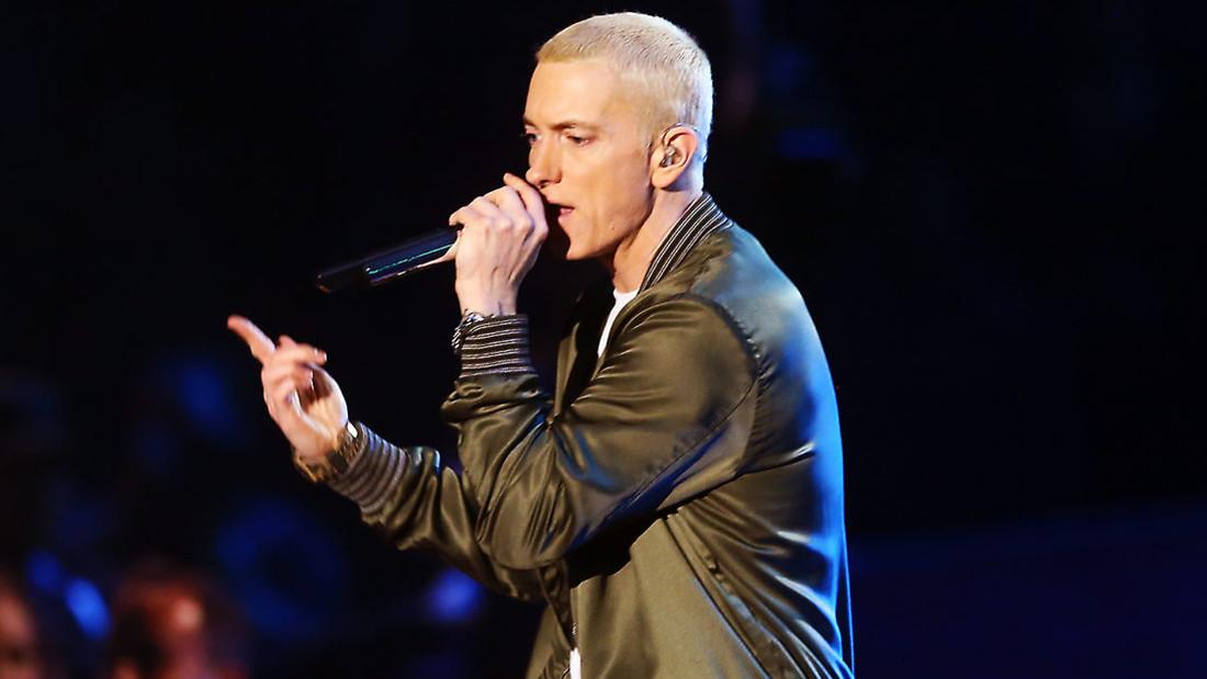 Πόσο σου είχε λείψει ένα καινούργιο τραγουδάκι από τον Eminem;