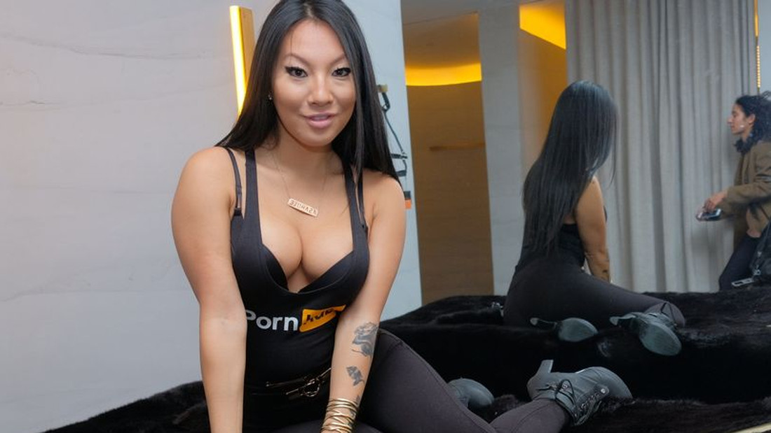 ασιατικό πρώτο μαύρο πορνό