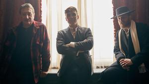 Ομορφιές: Ο Tom Hardy και ο δημιουργός των Peaky Blinders ετοιμάζουν σειρά