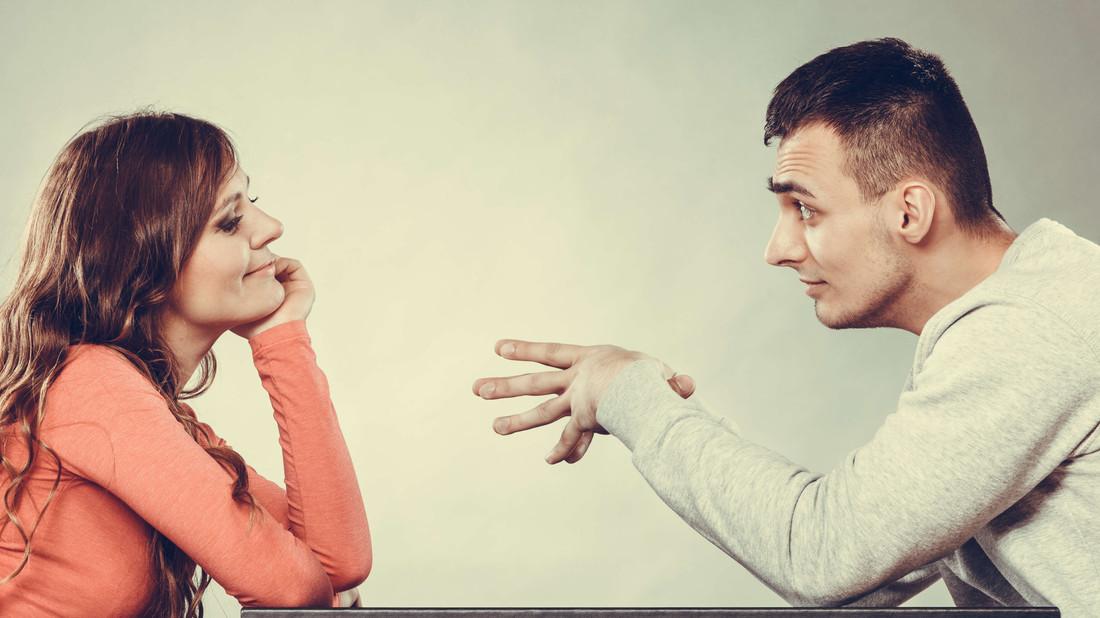 Σοφία, ποιες είναι οι ΠΡΩΤΕΣ ερωτήσεις που κάνεις σε έναν άντρα;