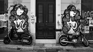 Οι δρόμοι της Αθήνας σου συστήνονται ξανά μέσα από την έκθεση του Νικήτα