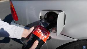 Coca-Cola αντί για βενζίνη στο αμάξι του δεν θα έβαζε ούτε ο Άγιος Βασίλης!