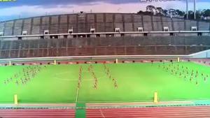Αγώνας ανάμεσα σε 3 Ιάπωνες ποδοσφαιριστές και 100 πιτσιρίκια;