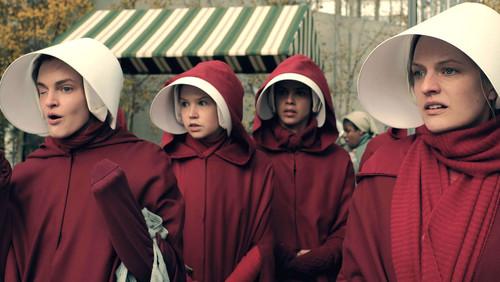 Σκούρα τα πράγματα στο trailer για τη 2η σεζόν του Handmaid's Tale