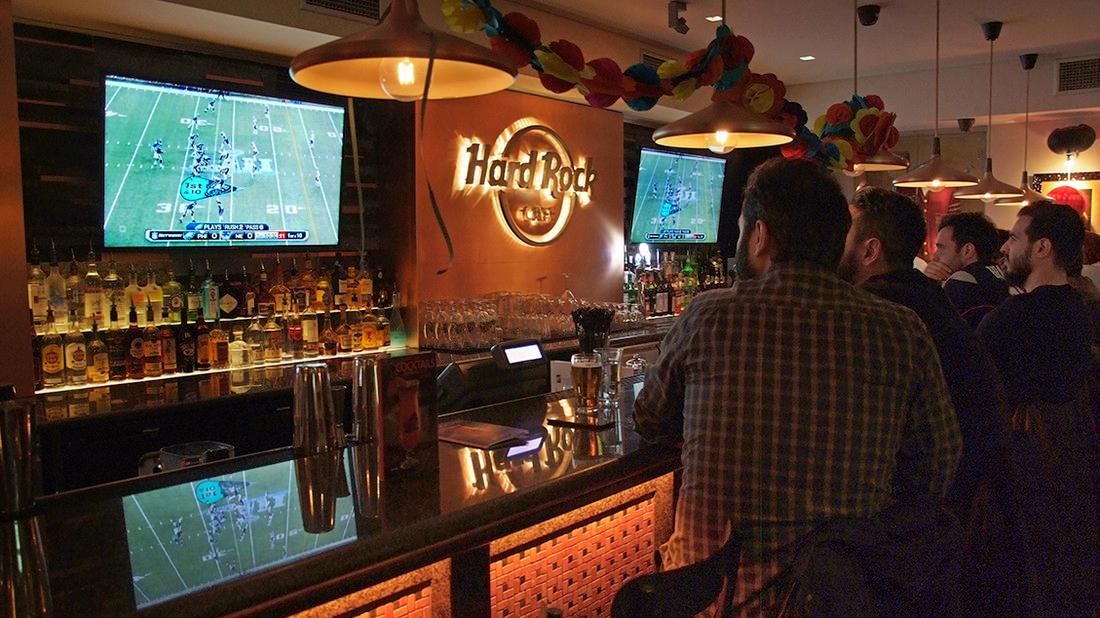Κάναμε ολονυχτία στο Hard Rock Cafe Athens