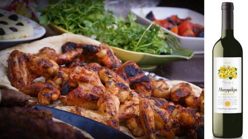Τσικνοπέμπτη: Τραπέζι με φίλους, εκλεκτό φαγητό και καλό κρασί