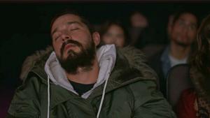 Αλληλεγγύη στα υπναλέα ΑΔΕΛΦΙΑ μας που κοιμούνται βλέποντας ταινία!